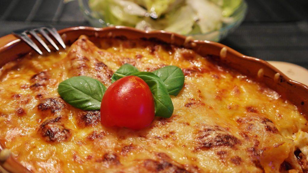 Ruoka, annos, lasagne