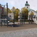 Yli tuhat juhlijaa Hämeenlinnan torin leikkipaikan avajaisissa