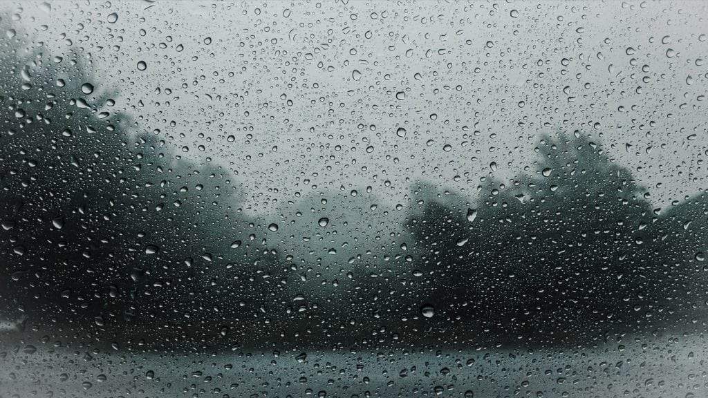 Sade, myrsky