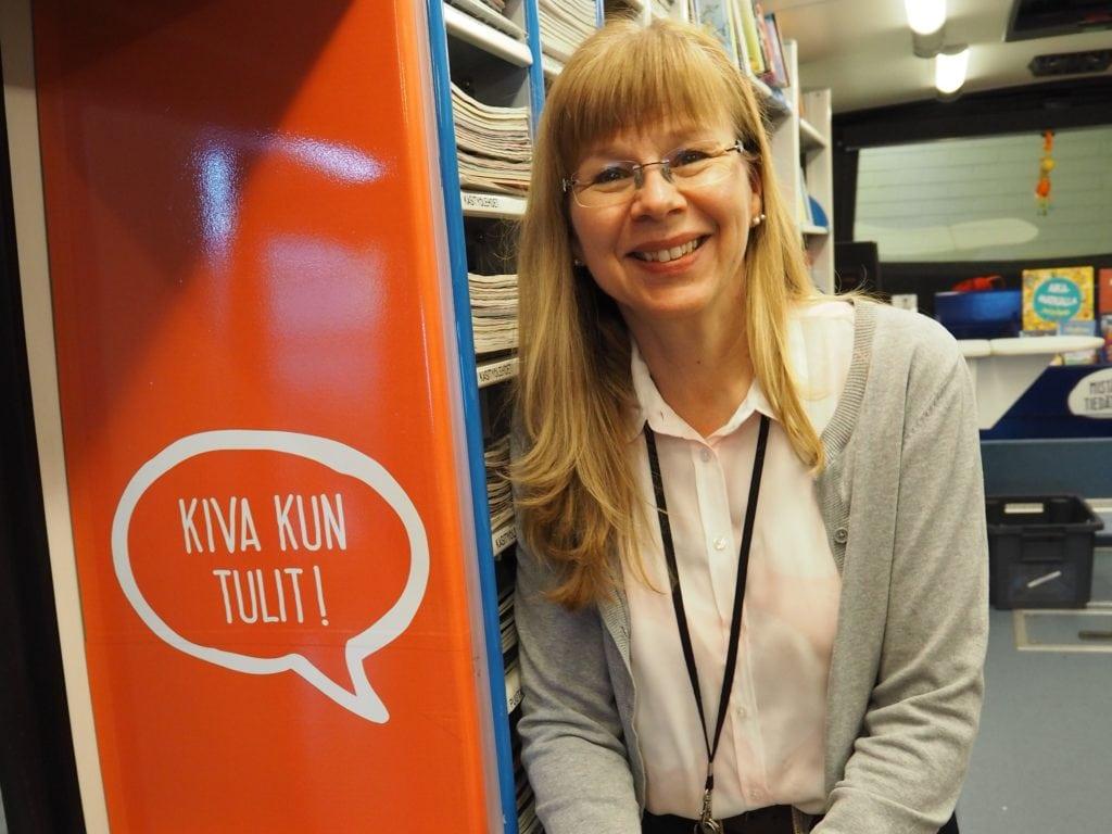 Hämeenlinnan kirjasto, kirjastoauto